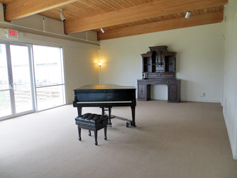 Cain Rm with Piano